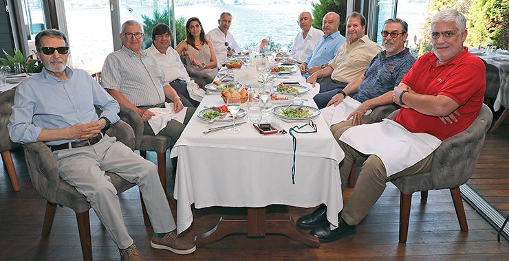 Sigortacı Gazetesi köşe yazarları Temmuz ayında boğazın kenarında Uskumru'daydı